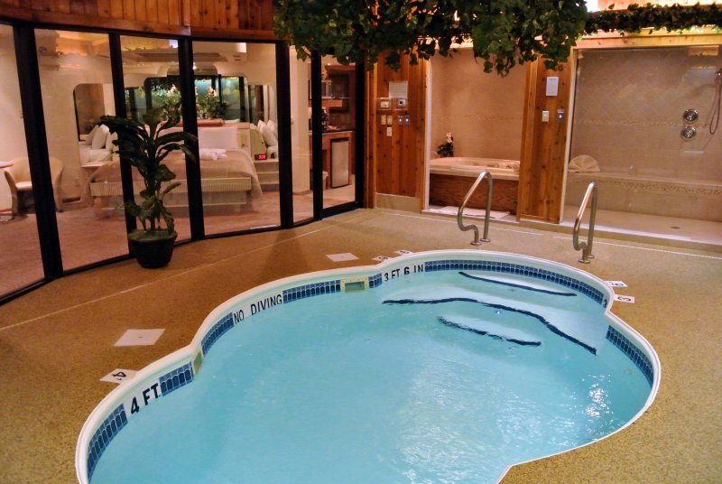 Sybaris Pool Suites, coupless romantic retreat with indoor pool, sauna, steam room, jacuzzi hot tubs, privacy